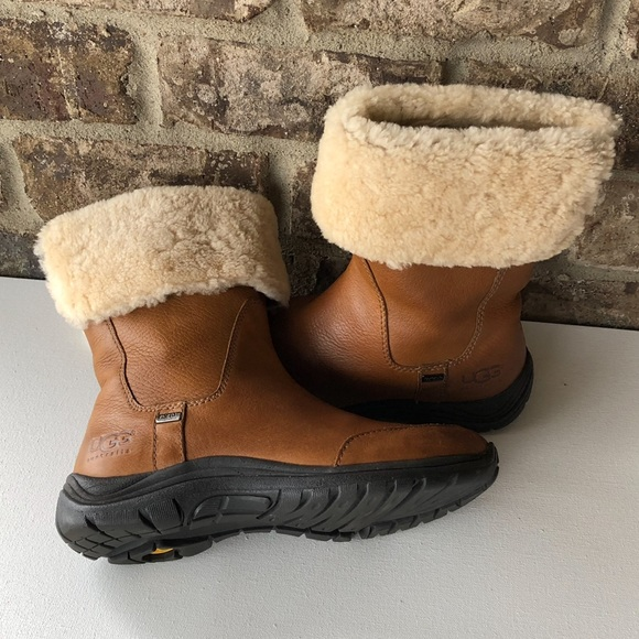 d7a8ce95adc Ugg Veanna Vibram with event waterproof leather